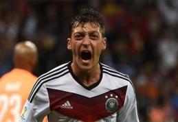 Vokietija tik po pratęsimo palaužė Alžyrą (VIDEO)