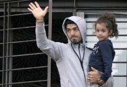 FIFA sumažino bausmę varžovui įkandusiam L.Suarezui