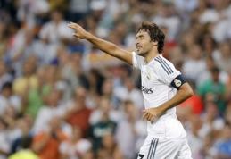 """Oficialu: Madrido """"Real"""" legenda Raulis rungtyniaus """"Cosmos"""" klube"""