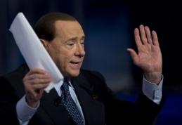 """S.Berlusconi: C.Ancelotti """"Milan"""" klubui padeda žaidėjų rinkoje"""