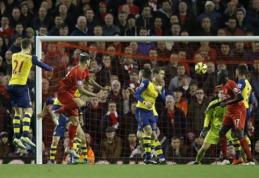 """""""Liverpool"""" septintąją pridėto laiką minutę išplėšė lygiąsias prieš """"Arsenal"""" (VIDEO)"""