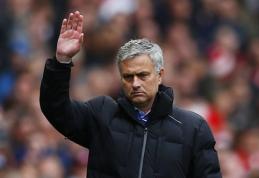 """J. Mourinho: """"Premier"""" lygos sezono komandoje turėtų būti 11 """"Chelsea"""" žaidėjų"""