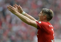 """Oficialu: B.Schweinsteigeris palieka """"Bayern"""" ir keliasi į """"Man Utd"""" (VIDEO)"""