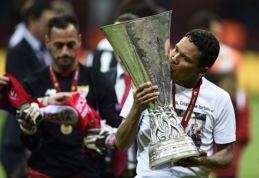"Oficialu: ""Real"" susigrąžino L. Vazquezą, ""Milan"" pristatė C. Baccą"