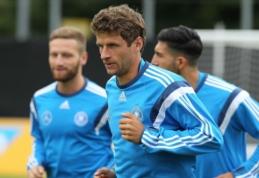 """""""Bayern"""" vadovas prakalbo apie milžinišką pasiūlymą už T. Mullerį"""