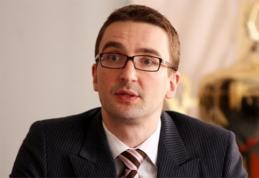 Kratų supurtytos LFF sekretorius E.Eimontas mįslingai užsiminė apie UEFA ir FIFA