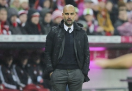 """Oficialu: P. Guardiola stos prie """"Man City"""" vairo"""