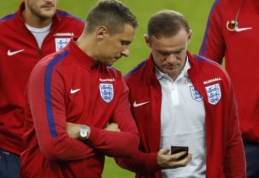 "P. Jagielka ragina W. Rooney grįžti į ""Everton"""