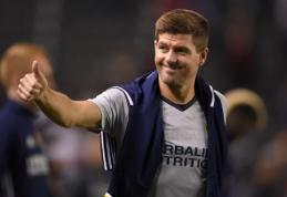 """""""Liverpool"""" legenda S. Gerrardas kabina batelius ant vinies"""