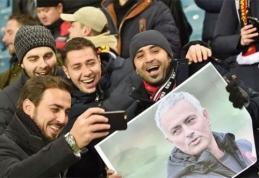 """""""Man Utd"""" fanai namo grįžo apiplėšti - """"Zorya"""" sirgaliai atėmė jų vėliavas (VIDEO)"""