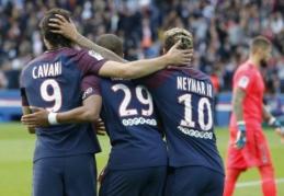 """PSG subombardavo """"Bordeaux"""" vartus, """"Lille"""" ir """"Amiens"""" mačas nutrauktas - yra sužeistų (VIDEO)"""