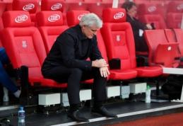 """Po gėdingo pralaimėjimo FA taurėje """"Stoke City"""" atleido M. Hughesą"""