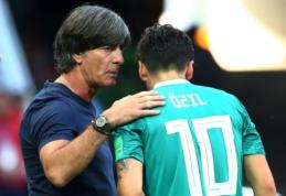 """""""Arsenal"""" treniruočių centre Ozilo neradęs Lowas: """"Skaudu, kai po tiek metų nesulauki atsakymo"""""""