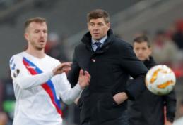 """S. Gerrardas apie """"Rangers"""" gynybą: """"Įprastai net 12-mečiai geriau išmuša kamuolį"""""""