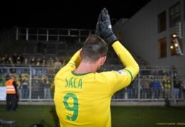 """""""Nantes"""" pagerbs marškinėlių numerį, kuriuo rungtyniavo E. Sala"""