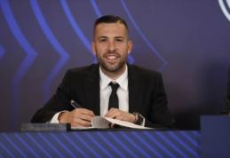 """Oficialu: J. Alba pasirašė naują sutartį su """"Barcelona"""""""