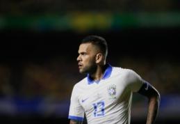 """D. Alvesas: """"Galėjau grįžti į """"Juventus"""" ar """"Barceloną"""""""