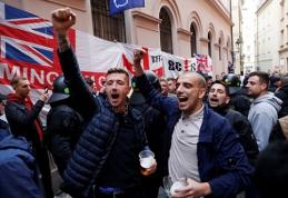 Anglų sirgaliai sukėlė riaušes Prahoje