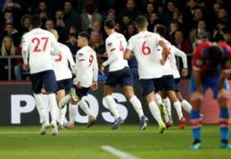 """R. Firmino išgelbėjo """"Liverpool"""", """"Arsenal"""" paskutinę akimirką išvengė pralaimėjimo namuose"""