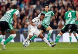 """""""Real"""" nepasinaudojo """"Barcelona"""" kluptelėjimu Ispanijos pirmenybėse"""