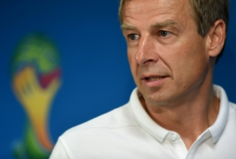 J.Klinsmannas: mače su Vokietija nebus laiko draugystėms