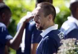 F.Ribery ir C.Grenier nežais pasaulio čempionate, juos keičia M.Schneiderlinas ir R.Cabella