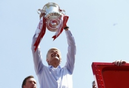 "Oficialu: A.Wengeras su ""Arsenal"" pratęsė sutartį dar trims metams"