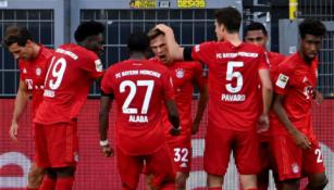 """""""Bayern"""" principinėje dvikovoje palaužė BVB ir žengė tvirtą žingsnį čempionų titulo link"""