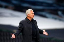 """J. Mourinho po lygiųjų su """"Man Utd"""" liko nepatenkintas VAR darbu"""