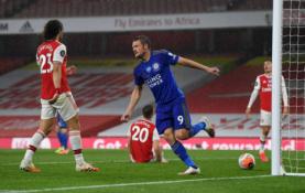"""Verdant aistroms dėl """"Premier"""" lygos pirmojo ketverto – lygiosios tarp """"Arsenal"""" ir """"Leicester"""""""