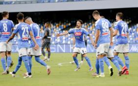 """""""Serie A"""": """"Napoli"""" tik per pridėtą laiką palaužė """"Udinese"""" futbolininkus"""