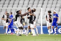 """""""Juventus"""" devintą kartą iš eilės tapo Italijos čempionais"""