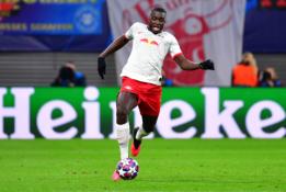 """""""Arsenal"""" klubo medžiotas D. Upamecano pratęsė sutartį su """"Leipzig"""""""