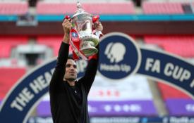 """FA taurę į viršų iškėlęs M. Arteta: """"Labai didžiuojuosi šiuo pasiekimu"""""""