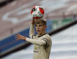 """""""Southampton"""" nusitaikė į """"Man Utd"""" gynėją"""