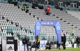 """Dėl COVID-19 grėsmės į rungtynes neatvykusiai """"Napoli"""" ekipai gresia techninis pralaimėjimas"""