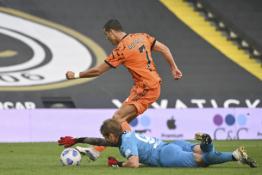 """""""Serie A"""": """"Juventus"""" antrojoje rungtynių pusėje susidorojo su """"Spezia"""", """"Lazio"""" tik per pridėtą laiką pažabojo """"Torino"""""""