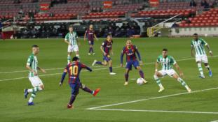 """""""Barcelona"""" nesunkiai susidorojo su mažumoje likusia """"Betis"""" ekipa"""
