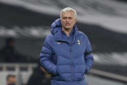 """J. Mourinho po pralaimėjimo prieš """"Brighton"""": """"Negaliu pasakyti nieko blogo apie savo žaidėjus"""""""