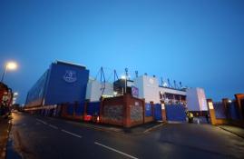 """""""Everton"""" iš """"Premier"""" lygos reikalauja paaiškinimo dėl atidėto mačo su """"Man City"""""""