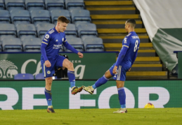 """Su """"Southampton"""" susitvarkę """"Leicester"""" futbolininkai toliau alsuoja lyderiams į nugaras"""