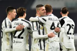 """""""Juventus"""" be vargo žengė į Italijos taurės pusfinalį"""