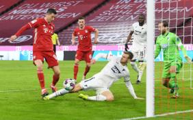 """""""Bundesliga"""": """"Bayern"""" pervažiavo """"Hoffenheim"""", BVB sugrįžo į pergalių kelią"""
