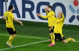 """BVB žengė į Vokietijos taurės ketvirtfinalį, """"Bayer"""" sensacingai pasitraukė iš turnyro"""