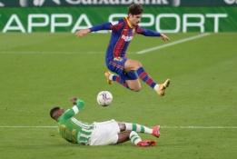 """""""Barcelona"""" išvargo pergalę prieš """"Betis"""""""