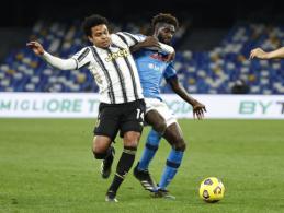 """""""Napoli"""" minimaliu skirtumu palaužė """"Juventus"""""""