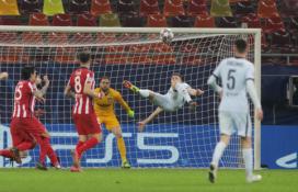 """ČL: fantastiškas O. Giroud įvartis padovanojo pergalę """"Chelsea"""" ekipai, """"Bayern"""" sutriuškino """"Lazio"""""""