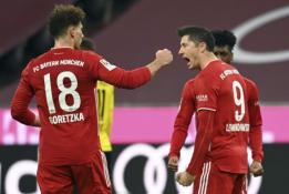 """Dviejų įvarčių deficitą panaikinęs """"Bayern"""" palaužė BVB"""