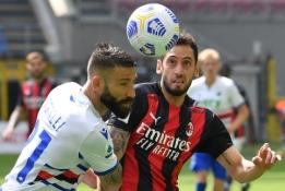 """""""Milan"""" nesugebėjo įveikti mažumoje likusios """"Sampdoria"""""""