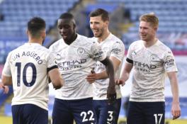 """""""Leicester"""" nukovusi """"Man City"""" užtikrintai žygiuoja trofėjaus link"""